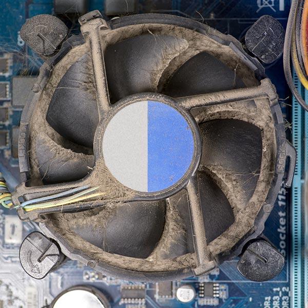 czyszczenie-wiatraka-na-procesorze